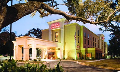 Hampton Inn & Suites Mobile Exterior View
